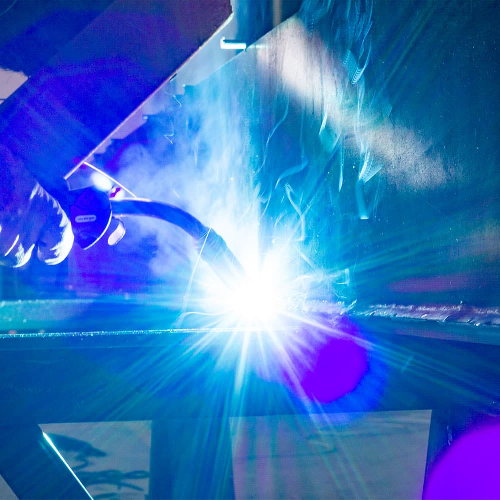 LAST-TECHNOLOGY-WELDING-SYSTEMS-ON-SEMI-TRAILER-PRODUCTION